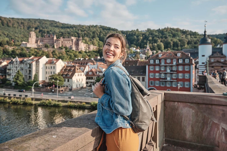 Heidelberg_Alte Brücke_Frau