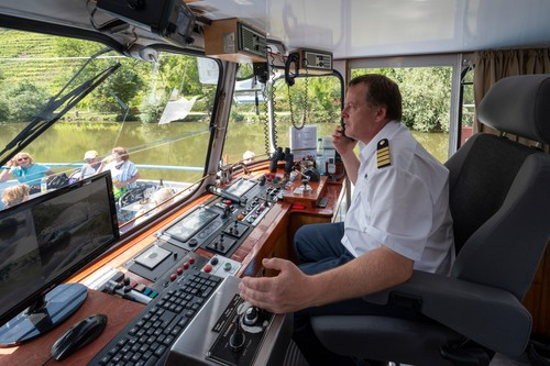 Neckar Käpt'n - MS Wilhelma Kapitän Jört Stürmer, Flussschifffahrt bei Stuttgart