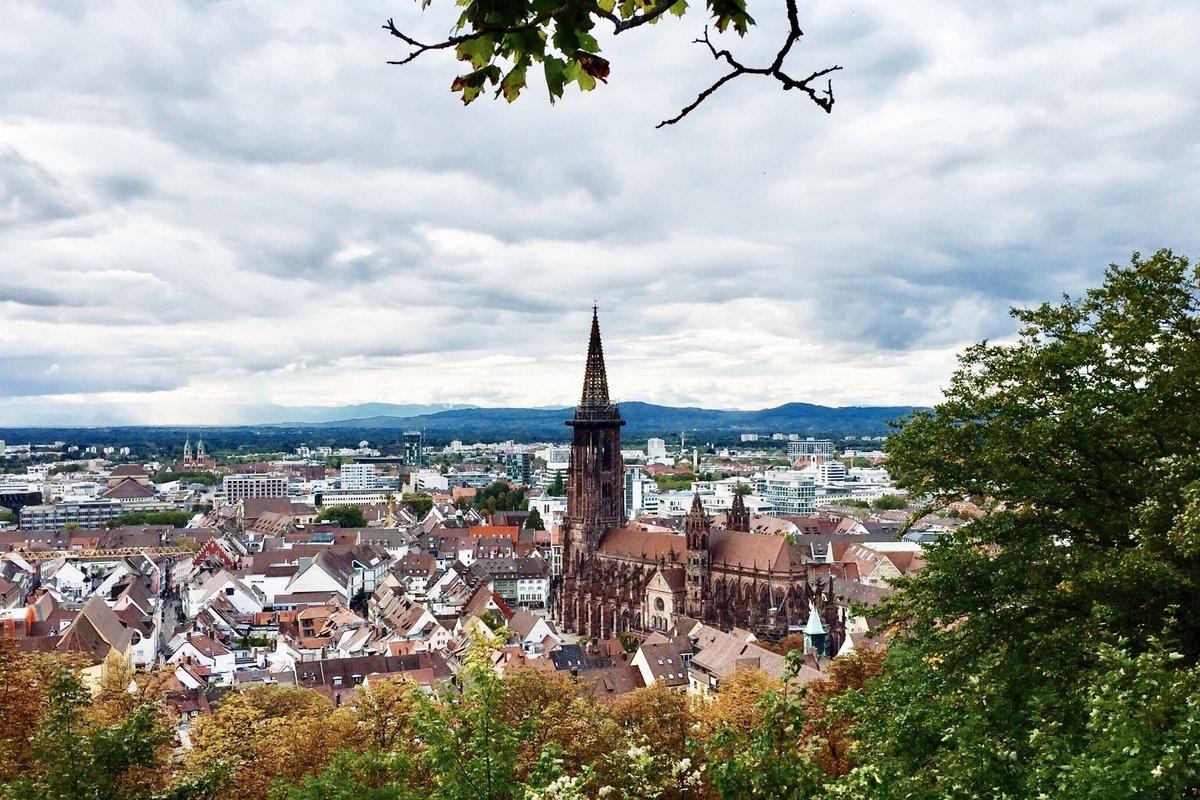 Freiburg_Blick vom Kanonenplatz Schlossberg