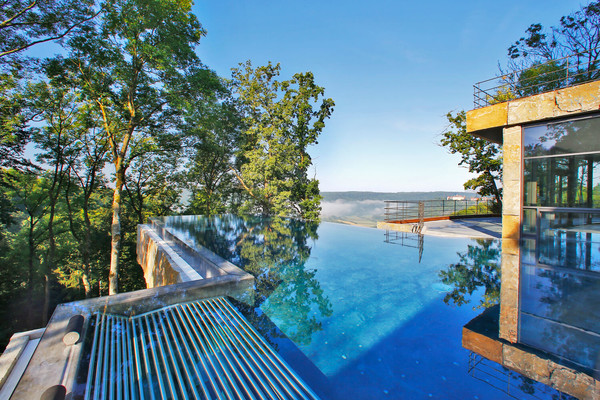 Mawell resort: infinity pool with a breathtaking view